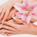 Jak zadbać o skórki wokół paznokci